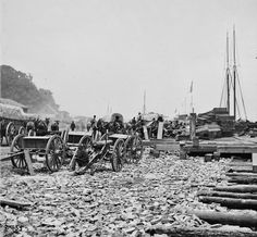 City Point supply wharf. American Civil War, American History, Siege Of Petersburg, Steam Boats, Unknown Soldier, War Image, Shiloh, Us History, Paris Skyline
