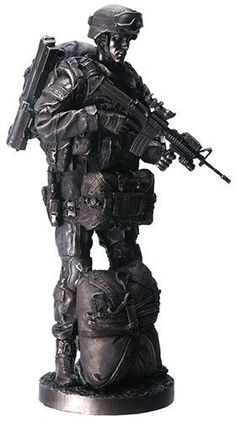 Paratrooper Military Armed Soldier Ready for Battle Statue 13H