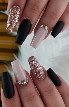 60 Elegant Rose Gold Nail Art Designs for 2020 60 Elegant Rose Gold Nail Art Designs for nails art nails acrylic nails nails Gold Acrylic Nails, Gold Nail Art, Rose Gold Nails, Summer Acrylic Nails, Acrylic Nail Designs, Nail Art Designs, Nails Design, Nail Rose, Goth Nails