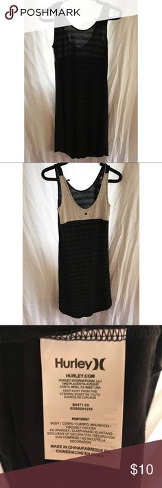 Hurley Striped Top Pair it with leggings, great for layering. Tops Tank Tops