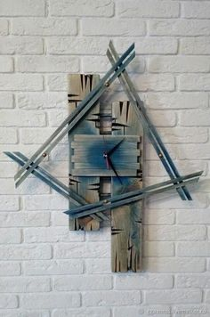 """DIY Wall Clock Ideas – The thinker William Penn when famously stated, """"Time is what we desire most but what we make use of worst. Read MoreDIY Wall Clock Ideas that will Give Your Interior a Unique Look"""