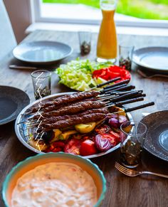 Pakistansk seekh kebab - ZEINAS KITCHEN Food And Drink, Chili, Ethnic Recipes, Kitchen, Pizza, Cilantro, Cooking, Chile, Chilis
