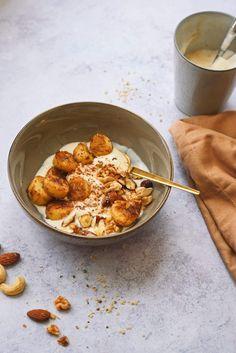 Makkelijk gezond ontbijt recept: plantaardige yoghurt & gebakken banaan Veggie Recipes, Healthy Recipes, Lunch Snacks, Superfood, Granola, Clean Eating, Veggies, Yummy Food, Breakfast