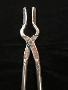 Forging Tools, Metal Tools, Knife Making, Blacksmithing, Wrought Iron, Metals, Tables, Crafts, House