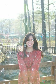E&tstory update kim so hyun photo 😘😘📷 ~pretty~❤❤👍 Korean Actresses, Actors & Actresses, Korean Celebrities, Celebs, Kim Son, Kim So Hyun Fashion, K Drama, Cute Romance, Kim Myung Soo