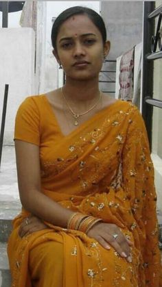 I am looking human being character woman for marriage. for more details Surya WhatsApp no 8179476457 Indian Natural Beauty, Indian Beauty Saree, Indian Sarees, Pooja Sawant, Desi Bhabi, Tamil Girls, Girls In Mini Skirts, Girls In Panties, Beautiful Girl Image