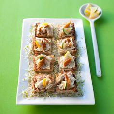 Brochettes d'avocat aux crevettes roses et à l'ananas - 50 recettes originales pour un apéro dînatoire - Meat Appetizers, Spanakopita, Cocktail Drinks, Guacamole, Tapas, Buffet, Sushi, Sandwiches, Party