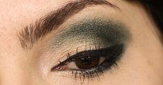 http://eaibeleza.com/maquiagem/passo-a-passo-verde-noite-com-vult/