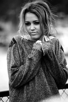 Miley Cyrus. her song from the Last Song is always so sad :( <3