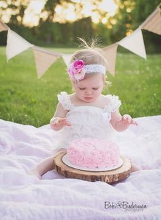 Cake smash, outdoor, girl, children photography, first birthday.