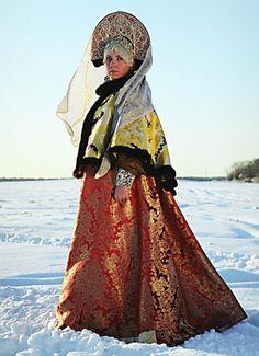 Costume traditionnel de Russie de la seconde partie du XVIIIème siècle