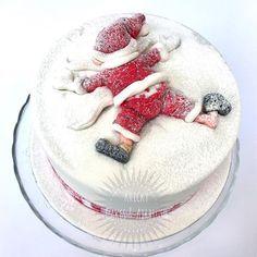 Awesome Christmas Cake Decorating Ideas For You Christmas Cake Designs, Christmas Cake Pops, Christmas Cake Decorations, Christmas Sweets, Holiday Cakes, Christmas Cooking, Christmas Tree, Christmas Design, Xmas Cakes