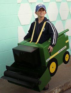 Friday Fun: Halloween Tractor Costumes!   John Deere MachineFinder