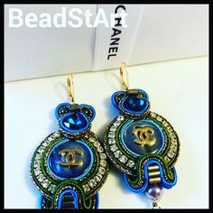 Vergoldene Ohrringe mit Authentische  Perlmutt CHANEL Tasten, sehr selten, mit CC-Logo  -Jede Taste auf der Rückseite CHANEL unterzeichnet von BeadStArt auf Etsy