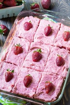 Strawberry Sheet Cake with fresh Strawberry Buttercream Frosting has so much strawberry flavor and it is a cinch to make with a box of white cake mix. Strawberry Sheet Cakes, Strawberry Buttercream, Strawberry Recipes, Strawberry Kitchen, Strawberry Bread, White Strawberry, Strawberry Pretzel, Strawberry Fields, Strawberry Shortcake