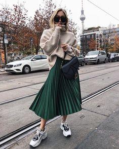 "1c74466067 BCN Street Style on Instagram: ""Dare to mix and match✓ ✓ ✓ 📸 @sonialyson"".  Zara Pleated SkirtGreen ..."