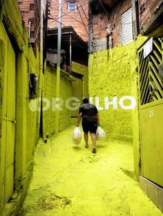 ORGULHO - Luz nas Vielas, intervención urbana de Boa Mistura en São Paulo