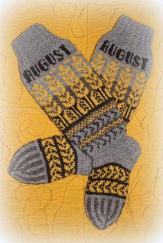 Ravelry: Elokuu pattern by Katja Makkonen Crochet Stitches, Knit Crochet, Fair Isles, Sissi, Knitting Socks, Fingerless Gloves, Arm Warmers, Ravelry, Pattern