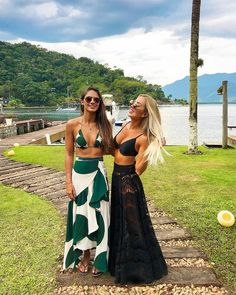Summer Dresses and Schoolwear Beach Party Outfits, Beach Vacation Outfits, Honeymoon Outfits, Honeymoon Clothes, Beach Attire, Beachwear Fashion, Look Chic, Bikini Outfits, Mode Style