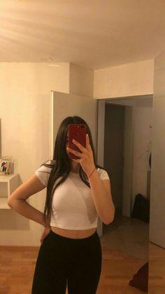 Girl Photo Poses, Girl Photography Poses, Girl Photos, Foto Mirror, Dps For Girls, Snapchat Girls, Fake Girls, Fake Photo, Selfie Poses