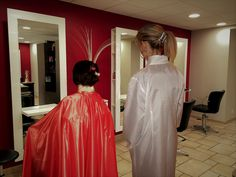 Dressers, Capes, Blouse, Hairdresser, Overalls, Hair Cuts, Formal Dresses, Lady, Beauty