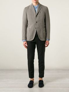 http://www.farfetch.com/es/shopping/men/boglioli-blazer-de-tres-botones-item-11026708.aspx?storeid=9274