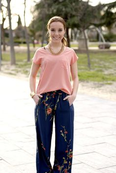 #look  #goldchain #streetstyle #fashion #myarmyofclothes #blog #outfit #silkpants #oriental #inspiration #coral #pumps #gucci #spring #love  http://myarmyofclothes.blogspot.com.es/