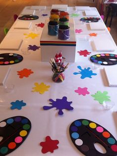 Possible game for art party.Hunt the paint splats. Games to be played between each arty activity, I will set up the next activity whilst Candie runs the games. Kids Art Party, Craft Party, Painting Party For Kids, Art Themed Party, Party Mottos, 6th Birthday Parties, 20 Birthday, Birthday Ideas, Artist Birthday Party