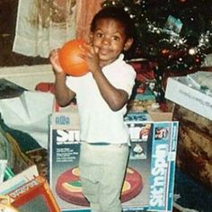 NBA champ and all-star, LeBron James. Lebron James Family, Nba Lebron James, King Lebron James, King James, Celebrity Baby Pictures, Celebrity Babies, Sports Basketball, Basketball Players, Fat Joe