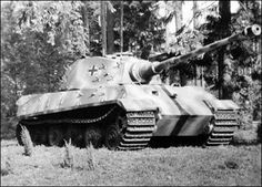 Königtiger The Tiger was the best tank in WW2. They made only 1550, yet even with Allied Air Superiority, these few Tigers won great victories on all battlefields, from Normandy too Tunisia to Kursk to Leningrad. In one skirmish in 1945, 3 young SS tank commanders took on 70 Soviet tanks. End result 70 knocked out T-34s/JS-2s, 3 KingTigers unscathed.