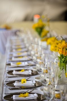 tell me about your wedding colors and accent colors (: :  wedding 03.tablescape