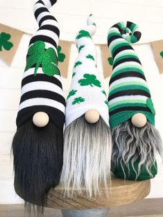 Patrick's day leprechaun gnomes are an adorable way to decorate your home for St. patricks day diy gifts Home Sweet Gnome St Patrick's Day Decorations, St Patrick Decorations, Craft Day, St Patricks Day, St Pattys, Leprechaun, Spring Crafts, Christmas Gnome, Craft Fairs