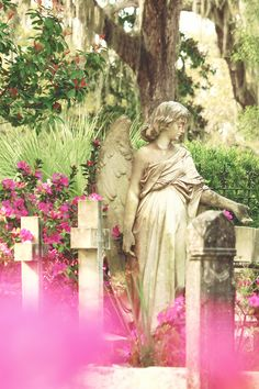 Bonaventure Cemetery is known for being one of the most beautiful in Savannah, and this is one of the most-photographed statues within its gates.   savannahfirsttimer.com #savannah #bonaventure #savannahftg