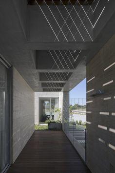 C+P House | Gonçalo das Neves Nunes  so oder so ähnlich auch bei www.okifree-raumsysteme.de erhältlich