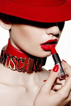 Red lips 744642119623999724 - Source by Go Feminin, How To Apply Lipstick, Applying Lipstick, Beautiful Lips, Stunning Eyes, Glossy Lips, Red Aesthetic, Lip Art, Red Fashion