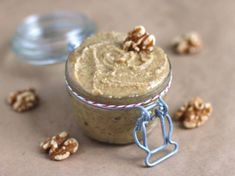 EASY Healthy Homemade Walnut Butter made all natural, sugar free, low carb, gluten free, and vegan! No hydrogenated oils or trans fats whatsoever! Raw Desserts, Sugar Free Desserts, Dessert Recipes, Healthiest Nut Butter, Walnut Butter, Raw Vegan Recipes, Vitamix Recipes, Paleo Food, Vegan Snacks