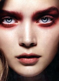 Red Smoky Eyes