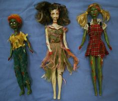 zombie barbies - no tutorial or info. looks like these were done with just paint. Zombie Barbie, Bad Barbie, Barbie Dolls, Girl Barbie, Zombie Crafts, Halloween Crafts, Halloween Ornaments, Halloween Stuff, Holidays Halloween