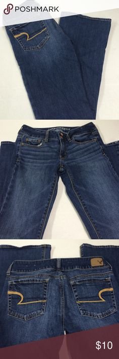 "American Eagle Outfitters Jeans Excellent used condition. Very little wear on bottom. Inseam 28"". Length 35 1/2"". 99% cotton 1% spandex. Artist stretch.  Smoke free home American Eagle Outfitters Jeans"