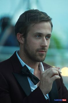 Ryan Gosling Ryan Gosling Shirtless, Eva Mendes And Ryan, Gorgeous Men, Beautiful People, Good Old Movies, Ryan Thomas, Alice And Wonderland Quotes, Hottest Male Celebrities, Vintage Boys