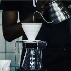 Water is driving force of all nature. Photo cred: @the_great_black_espresso  #specialitycoffee #yourdailygrindza #alternativebrewing #pourover #dailyfix #chemex  #southafrica #artisan #hario #womenandcoffee http://ift.tt/20b7VYo