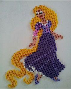 Lei è Rapunzel, anche nota come Raperonzolo, di un cartone della disney