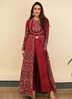 Preity Zinta wearing the Raga suit from Anita Dongre Preity Zinta wearing the Raga suit from Anita Dongre Picture: Anita dongre website Indian Designer Suits, Indian Fashion Designers, Indian Gowns Dresses, Pakistani Dresses, Bridal Anarkali Suits, Pakistani Suits, Top Fashion, Fashion Dresses, Fashion Usa