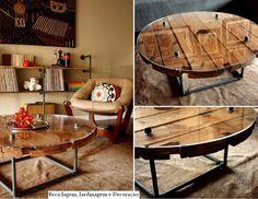 Mesa de centro em estilo industrial... estrutura em canos metálicos e como tampo, parte de um carretel de fios (Bobina) e vidro.    Fonte:  http://www.wearemfeo.com/Spool-Pipes-coffee-table