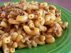 Cowboy Goulash Ingredients: 1 1/2 lbs ground beef 1/2 lb elbow macaroni, uncooked 1/2 cup onion, minced 1/2 cup green pepper, chopped 16 ounces diced tomatoes 16 ounces tomato sauce 1 cup water 1...