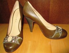 * * * VICINI Lederpumps olive m.Perlverzierung,NP 465,- * * * | eBay Pumps, Heels, Peep Toe, Ebay, Fashion, Clothing Accessories, Ladies Shoes, Olives, Leather