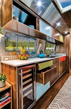 Timeless Travel Trailer remodel..........if my travel trailer had looked like this, i would have never moved out!