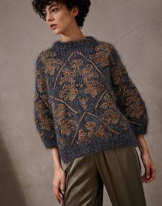 Cashmere cardigans and wool sweaters by Brunello Cucinelli. Knitwear Fashion, Knit Fashion, Womens Fashion, Knitting Designs, Knitting Patterns, Moda Casual, Mode Style, Hand Knitting, Knit Crochet