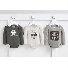 Shop the cutest boys holiday outfits for your baby at SugarBabies! We have the best selection of Mud Pie Winter 2018 including the Pet Sentiment Crawler! Dog Onesies, Newborn Onesies, Baby Onesie, Baby Shower Gifts, Baby Gifts, Mud Pie, Baby Needs, Holiday Outfits, Newborn Photos