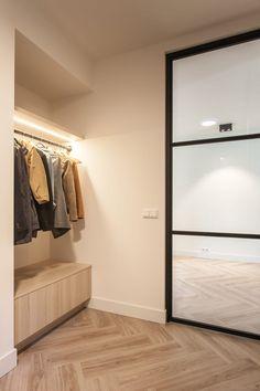 Contemporary Architecture, Contemporary Interior, Modern Interior Design, Interior Styling, Interior Architecture, Interior And Exterior, Hallway Inspiration, Stair Decor, Modern House Design